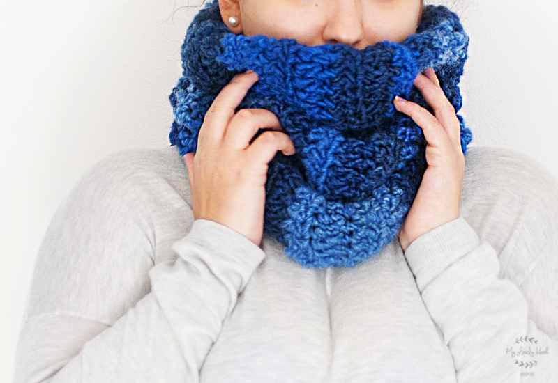 Super chunky crochet cowl pattern by MyLovelyHook