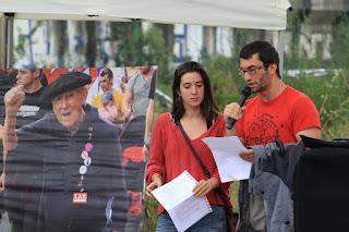 Homenaje a Periko Solabarría en el puente de Rontegi