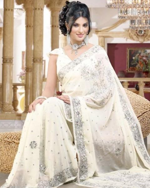 Wedding White Sarees Online: Pakistani & Indian Saree Trend