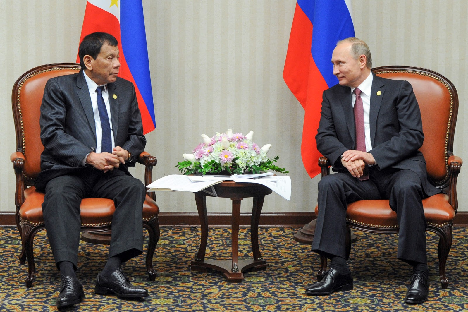 Philippine President Rodrigo Roa Duterte meeting with Russian President Putin