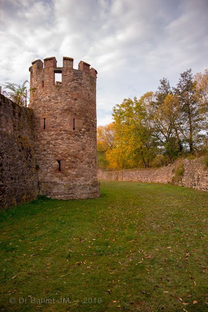 Fortifications de Bergheim (Alsace). Tour des sorcières.