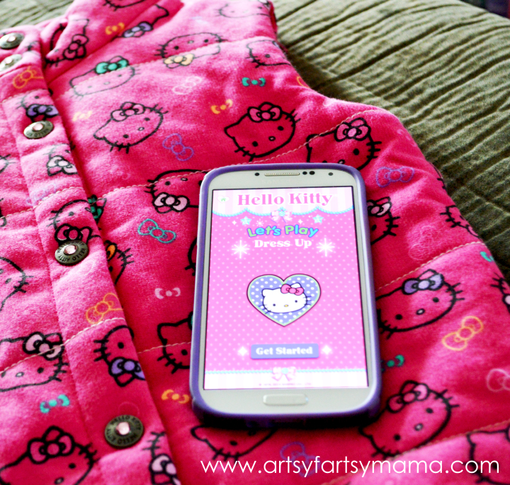 Hello Kitty Let's Play Clothing Line & KuKee App at artsyfartsymama.com #pmedia #helllokittyletsplay #kukeeapp