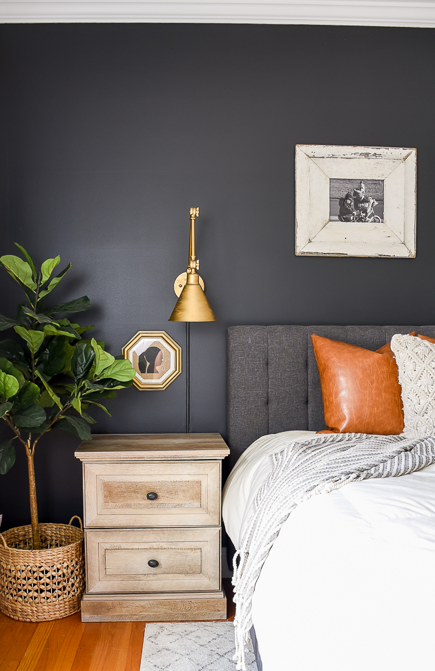 High Contrast, dark and moody, bedroom, sherwin-williams Iron Ore