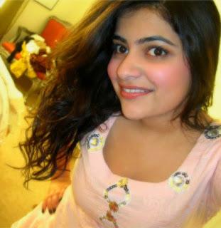 vip girls pic, charming indian girl pic, smart Indian girls