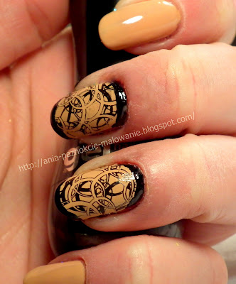 konad na paznokciach