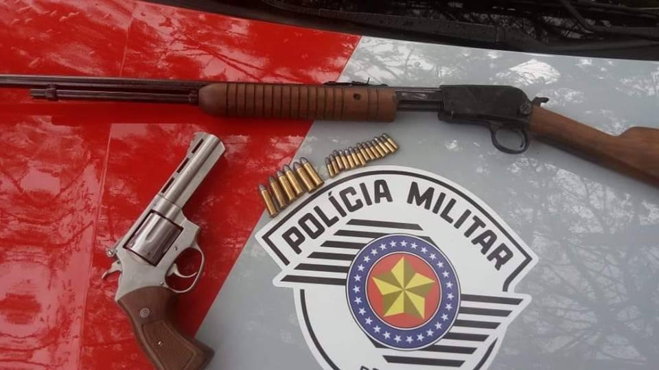 Após denúncia, Polícia Militar de Espírito Santo do Pinhal apreende armas de fogo