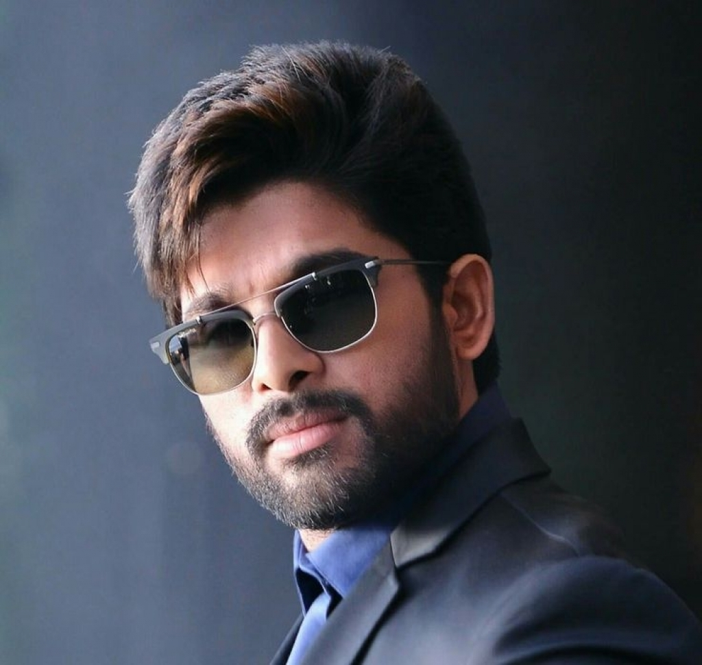 South Actor Allu Arjun Hd Wallpapers Images And Pictures Wallpaper Hd Images