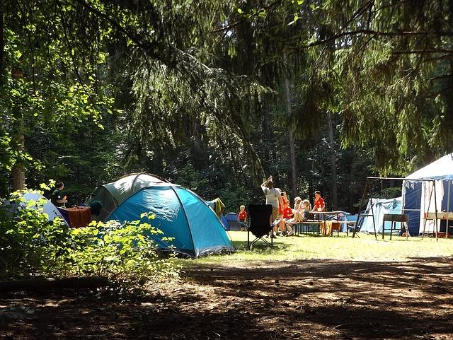Cara Camping Keluarga agar Seru dan Berkesan