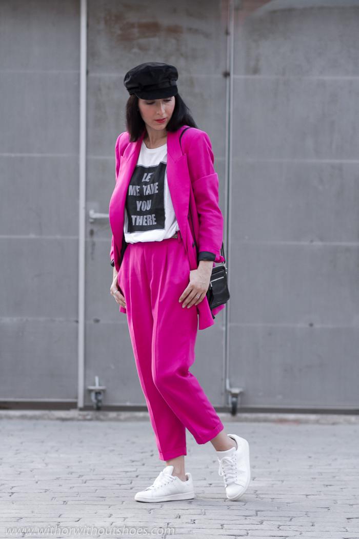 Look_urbano_mujer_casual-chic+Oficina+Comodo+Deportivas_blancas_Adidas_Stan_Smith+Gorra_marinera_ZARA_