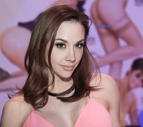 100 Bintang Porno Terpopuler di Dunia