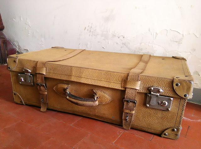 mala de porão, vintage, pele, viagens vintage, decoração vintage