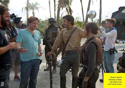 Gareth Edwards, Felicity Jones and Diego Luna on the set of Rogue One A Star Wars Story (35)