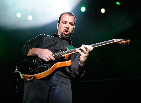 Godsmack pospone tour por la muerte del hijo de Tony Rombola