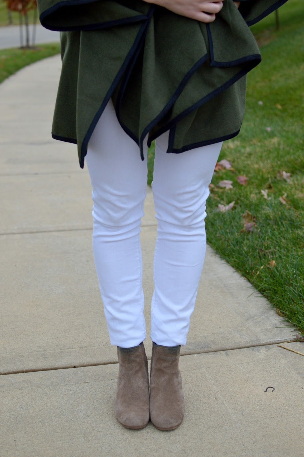 making white jeans work in the fall
