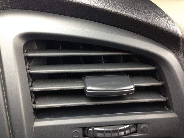 Bau berasal dari heater AC