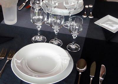 Mesa puesta para la cena