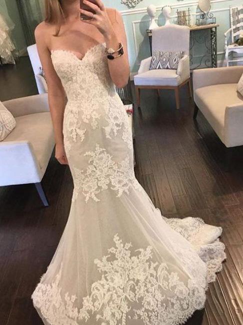 Fashionable Sweetheart Lace Mermaid/Trumpet Wedding Dress