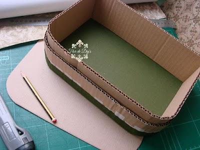 maleta-de-cartón-tela-y-papel-flor-de-diys