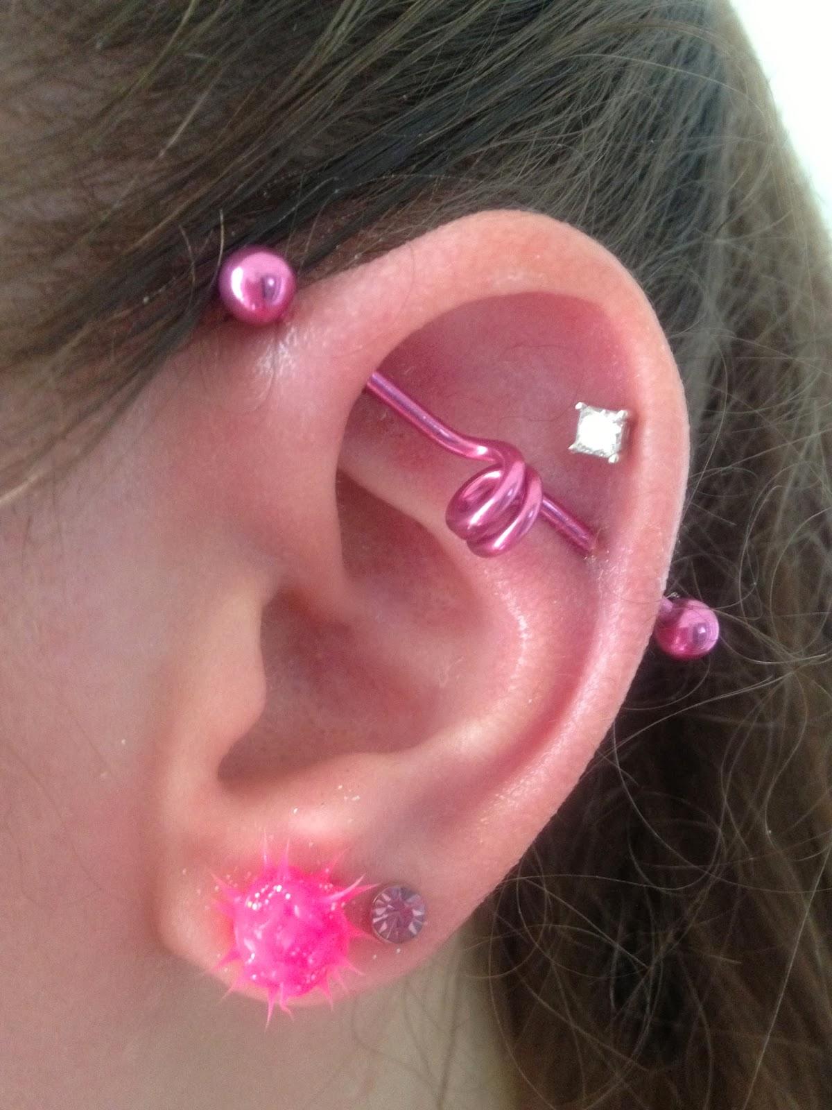 Amy Fashion: Industrial Piercing Earrings