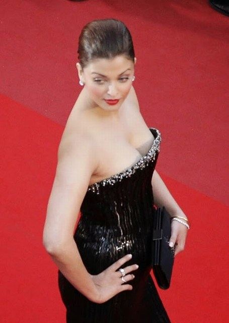 Actress Aishwarya Rai Hot Pics 2016