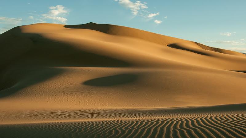 Sand Dunes in The Gobi Desert