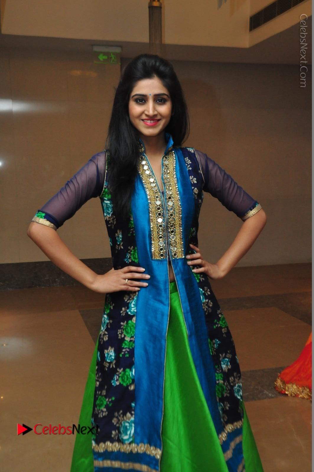 Shamili Sounderajan Photos in Desginer Long Dress at Khwaaish Designer Exhibition Curtain Raiser