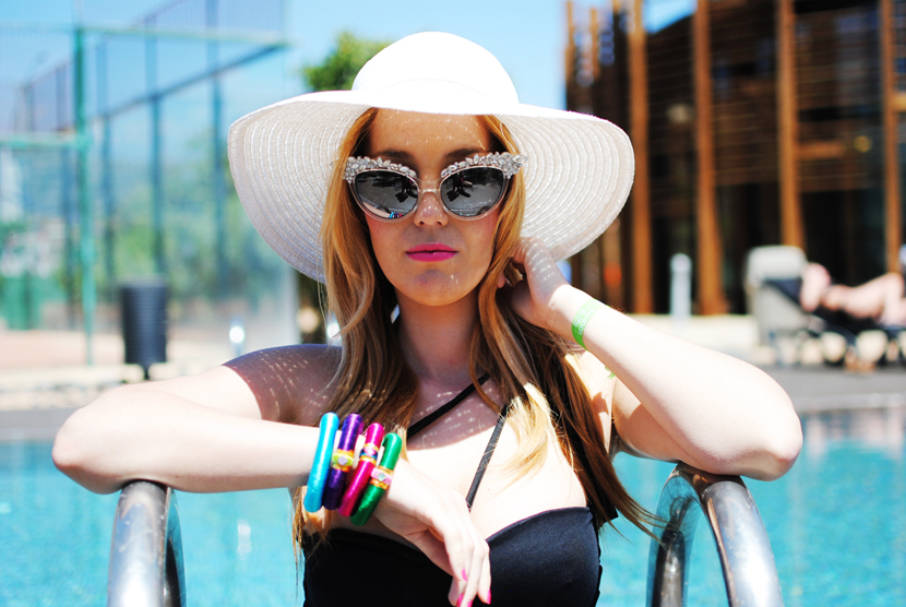 mahanari, nery hdez, pool, swimwear, summer inspiration , lana del rey