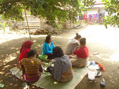 FOTO: Piknik Libur Lebaran Bersama Keluarga  di kebun belakang rumah admin