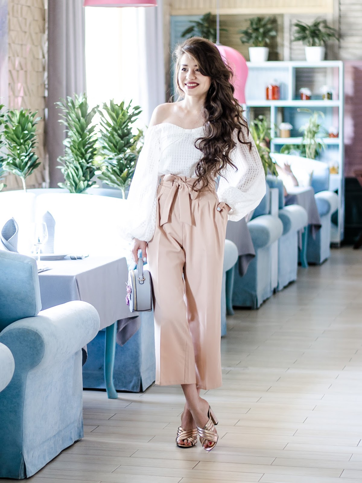 fashion blogger style look outfitoftheday pastel look diyorasnotes diyora beta offshoulderstop off shoulder pastel pants high waist pants mules asos