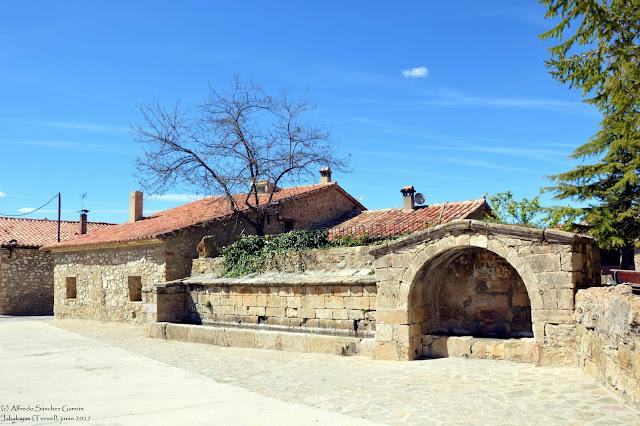 jabaloyas-teruel-fuente-publica