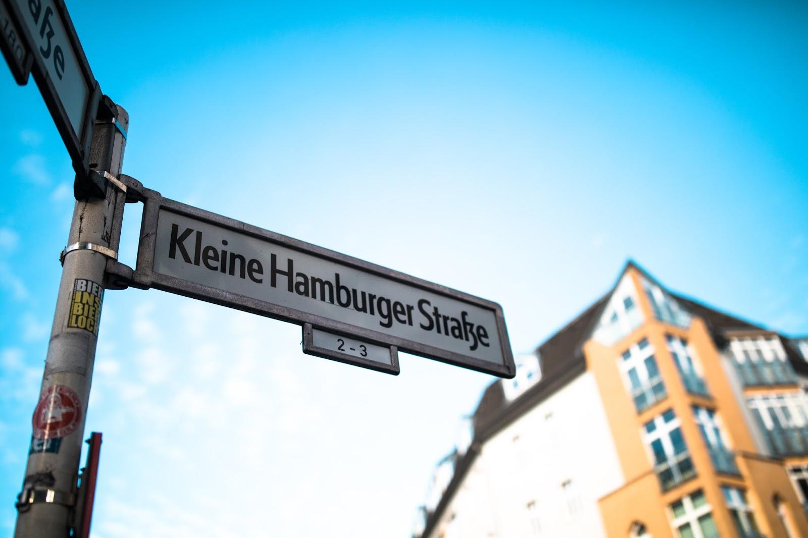 berlin mitte street signs