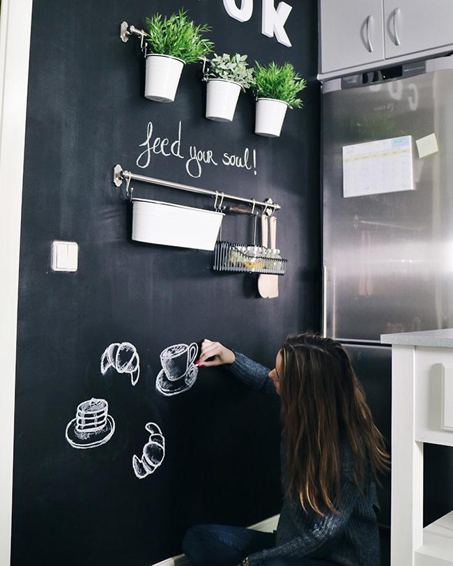 DIY DECO: Transforma tu cocina con una pared de pizarra | Dare to ...