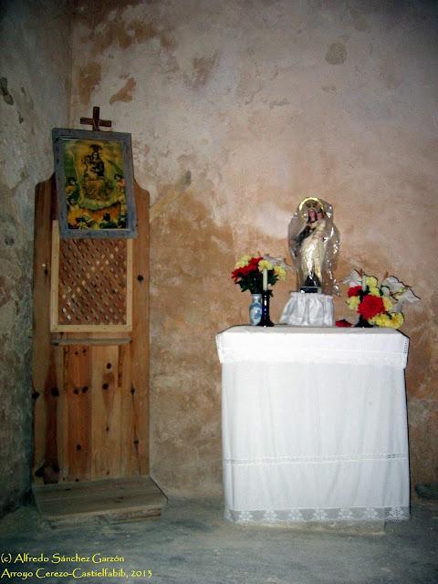 arroyo-cerezo-iglesia-confesonario