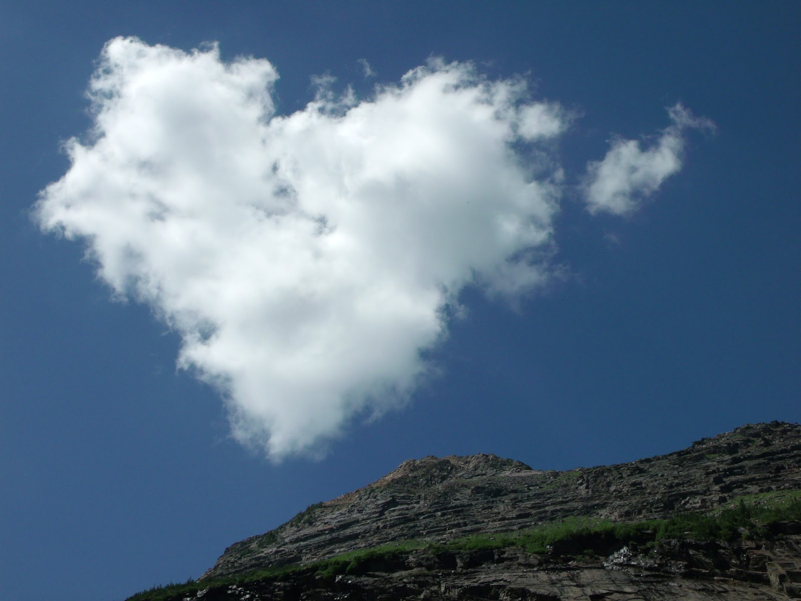 Valentine's Day - Heart shaped cloud wallpapers - ART FOR ...