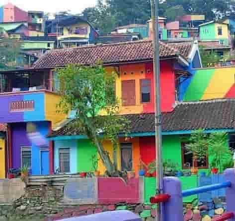 Kampung Pelangi: Το πολύχρωμο χωριό της Ινδονησίας