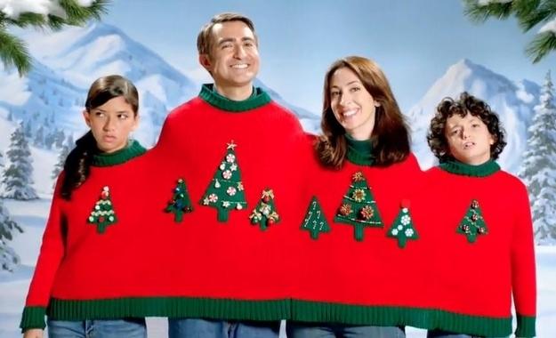 sweter z choinką