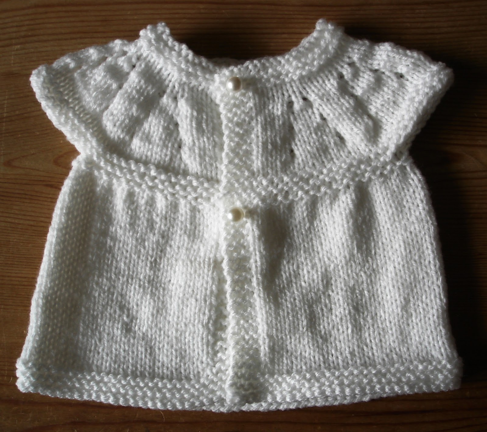 Marianna\'s Lazy Daisy Days: All-in-one Knitted Baby Tops