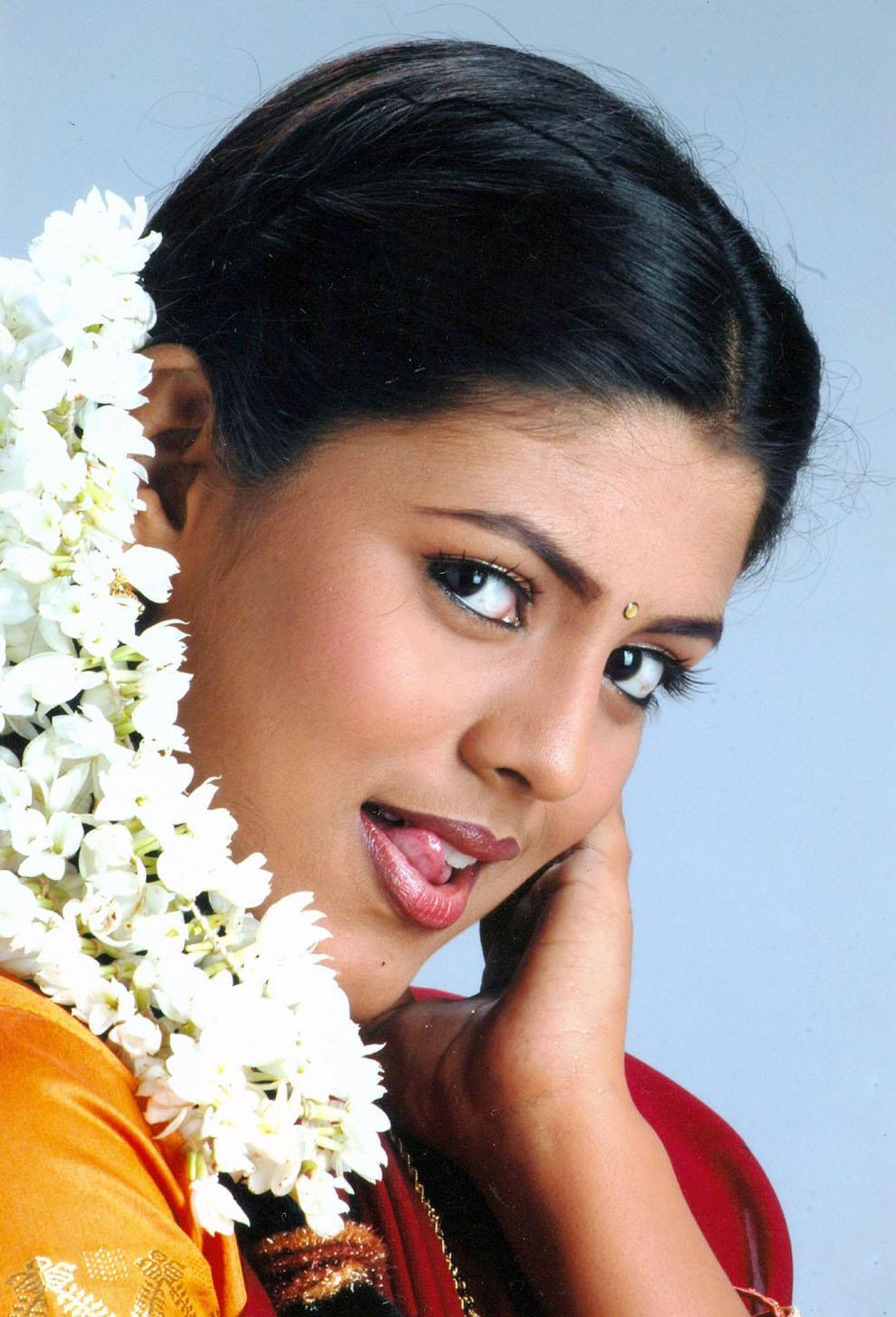 Kollywood Movie Photo Stills Tamil Actress Iniya Hot -8347