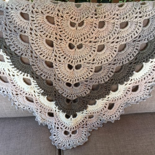 Virus shawl - Free Pattern