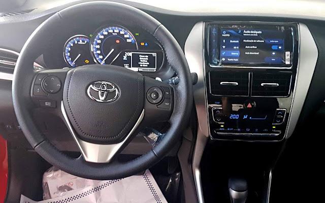 Toyota Yaris Hatch XLS 1.5 CVT - painel