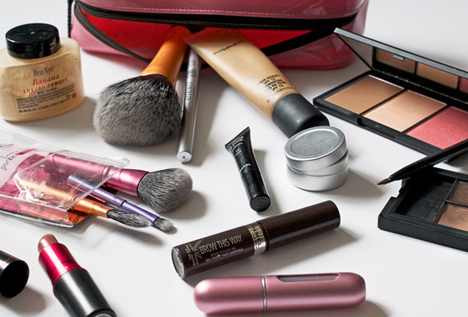 What's in my makeup bag? | August 2014