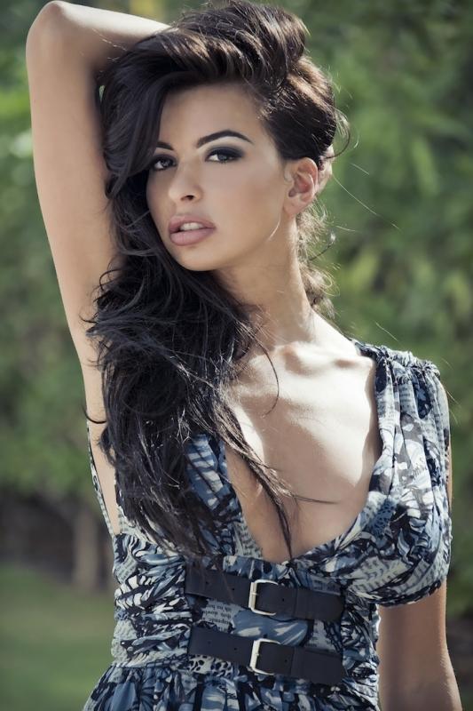Arabic kuwait girl flashing boobs - 2 part 5