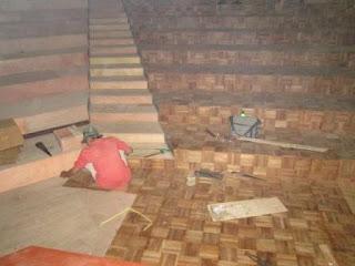 Kelebihan dan Kekurangan Lantai kayu di Bandingkan lantai keramik