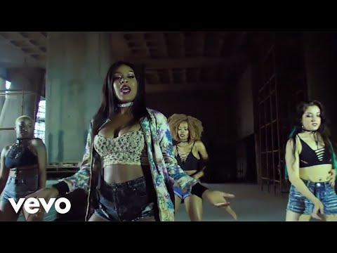 emma-nyra-music-video-drop-it