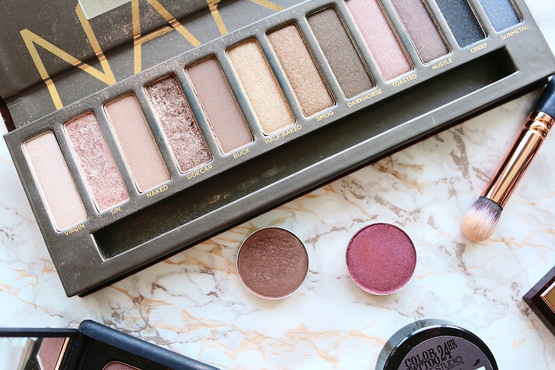 Autumn Eye Shadows Urban Decay Naked Palette, MAC Mulch and MAC Cranberry