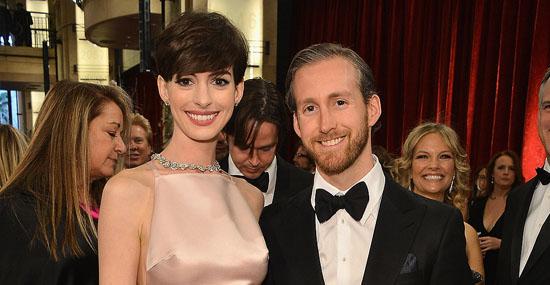 15 fãs que se casaram com seus ídolos - Anne Hathaway e Adam Shulman