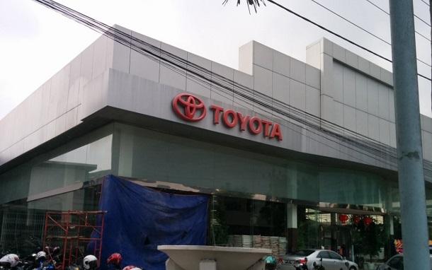 TOYOTA Tunas Autograha, Alamat : Jl. Perintis Kemerdekaan No. 8 (depan gudang dolog)