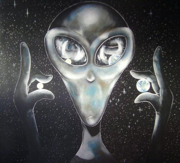 Bị người ngoài hành tinh bắt cóc, họa sĩ trẻ tiết lộ bí mật của thế giới khác