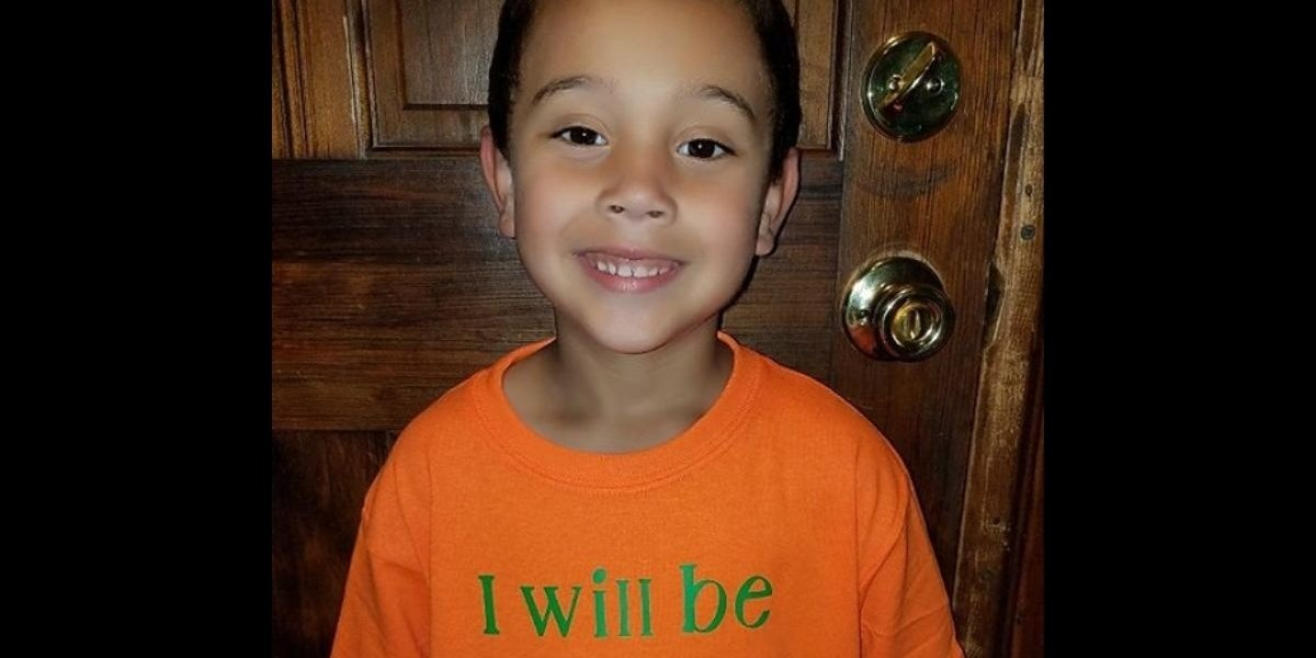 Six-Year-Old Boy Designed An Awesome Custom T-Shirt For His First Day Of School