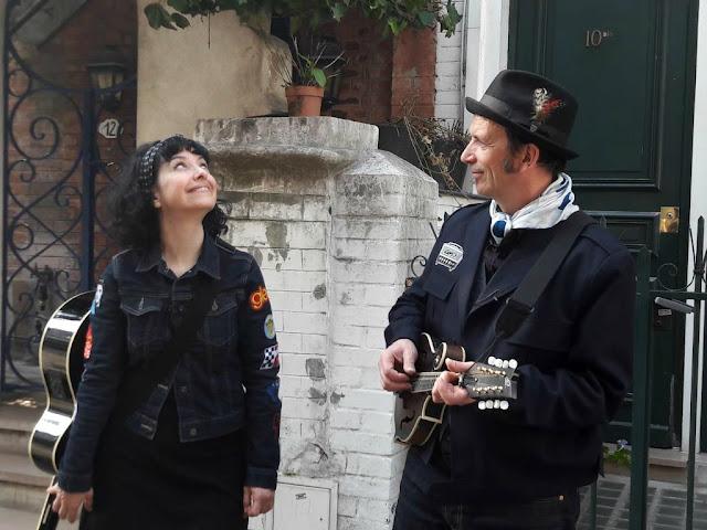 Balades enchantées Paris association Fausse Note musique chant Lili Cros et Thierry Chazelle